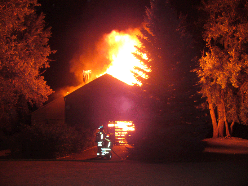 2007-Boat House-fire fully involved