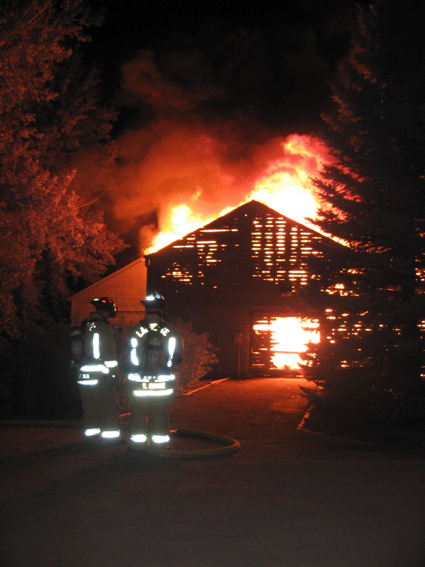 2007 boat house fire in defensive mode