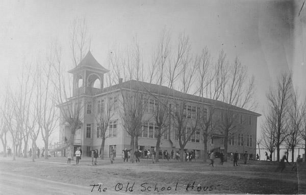 Children in front of Lafayette's old school building