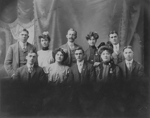 Group of Lafayette young people about 1904