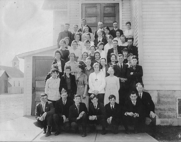 Lafayette High School's junior class, 1916