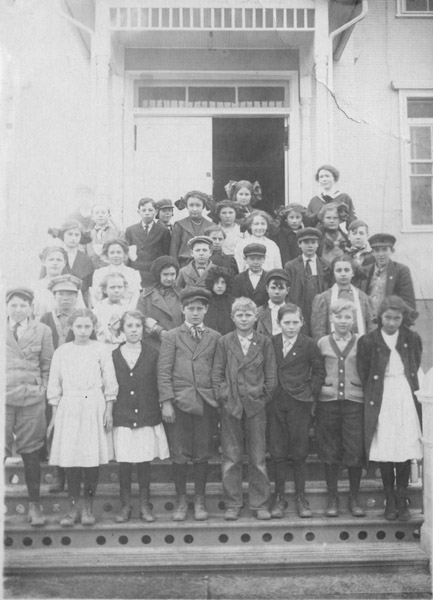 Lafayette Public School, fifth and sixth grade class of Miss Frances Wright, December 10, 1912