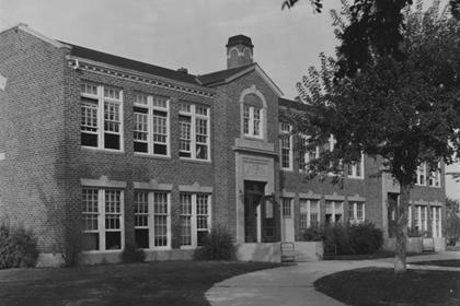 Lafayette High School building