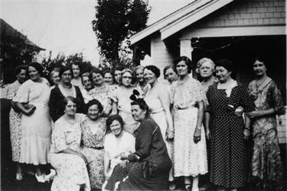 Lafayette women in group portrait
